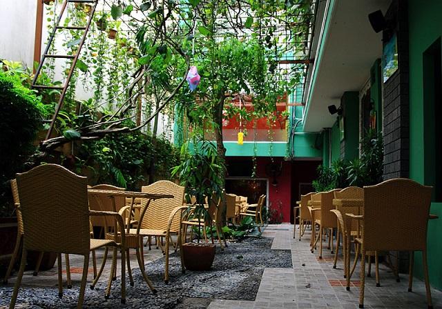 Thiết kế quán trà sữa sân vườn
