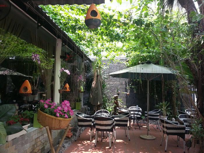 Thiết kế tiệm trà sữa sân vườn